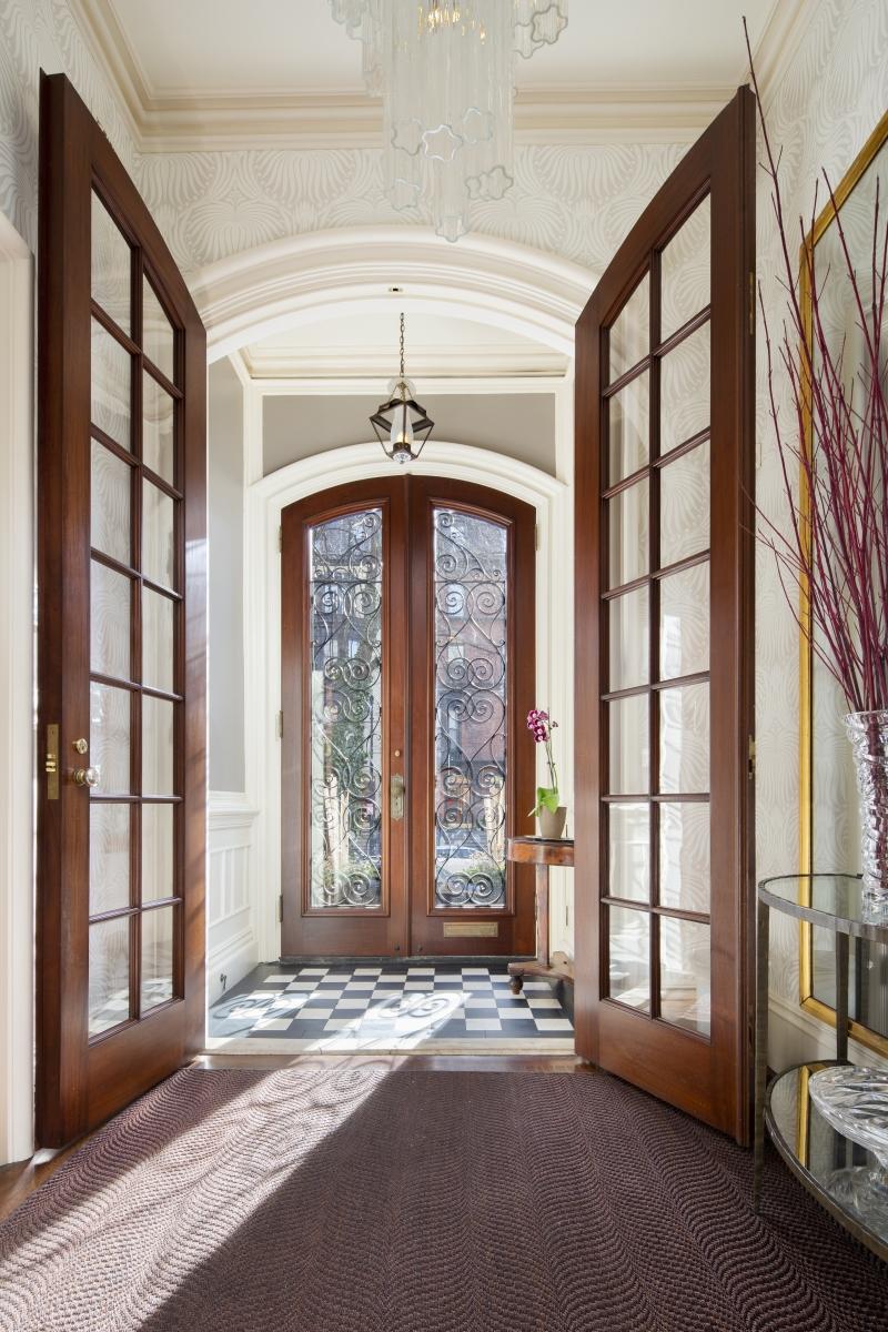 Boston-Virtual-Imaging_8_frontdoors